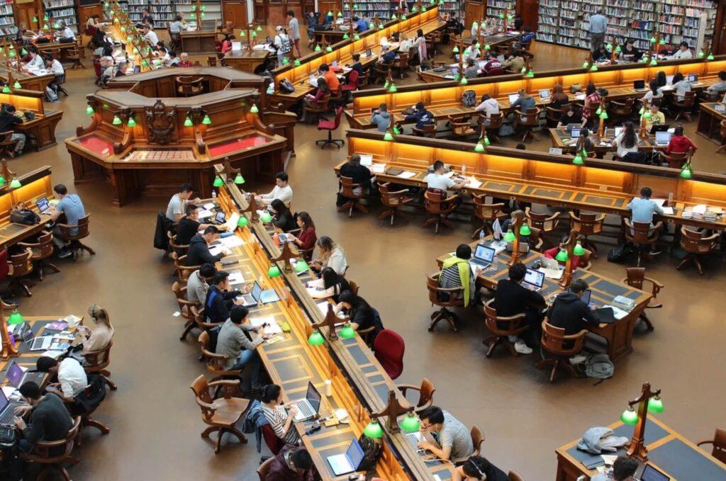 学生 図書館