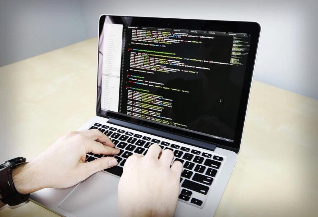 プログラミング コーディング