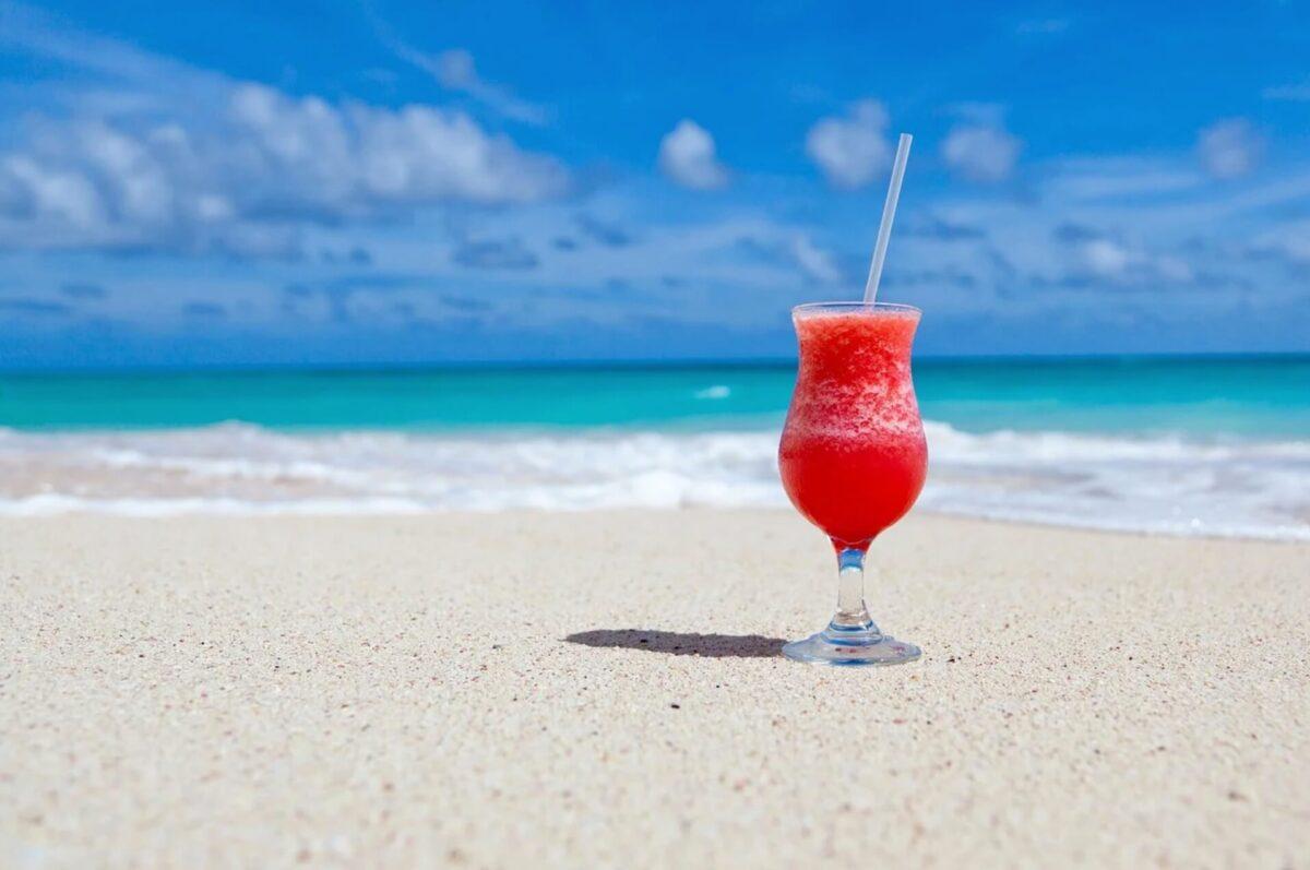 ビーチと飲み物