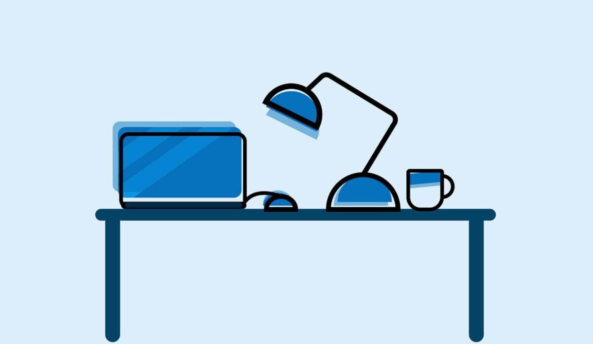 デスクとパソコン