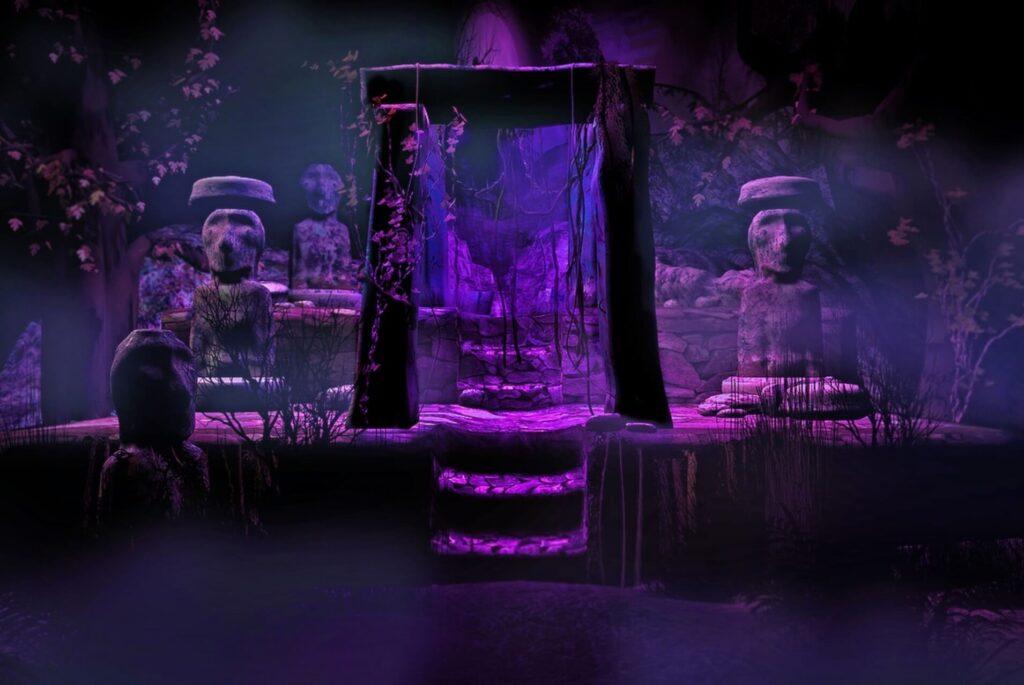 不気味な祭壇