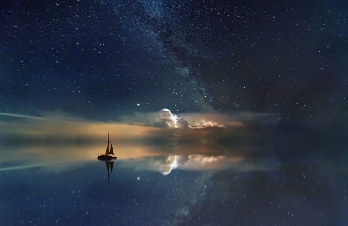 宇宙を進む船