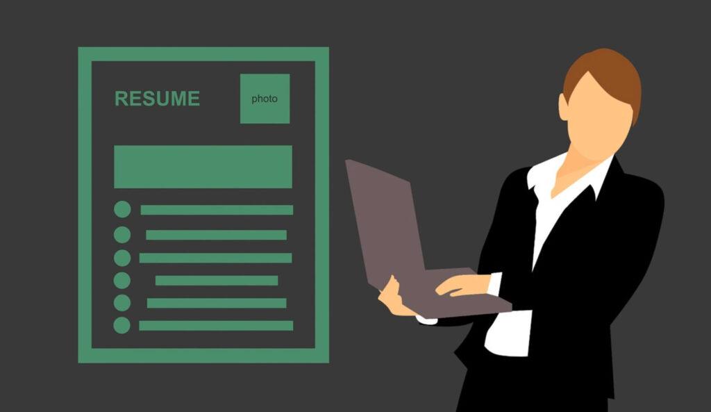 履歴書とパソコン