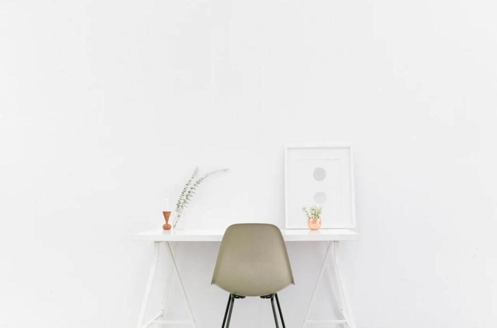 オシャレな椅子と机